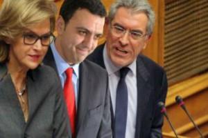 Να παραιτηθούν και να παραδώσουν τις έδρες στα κόμματα, όσοι βουλευτές έβγαλαν χρήματα έξω…