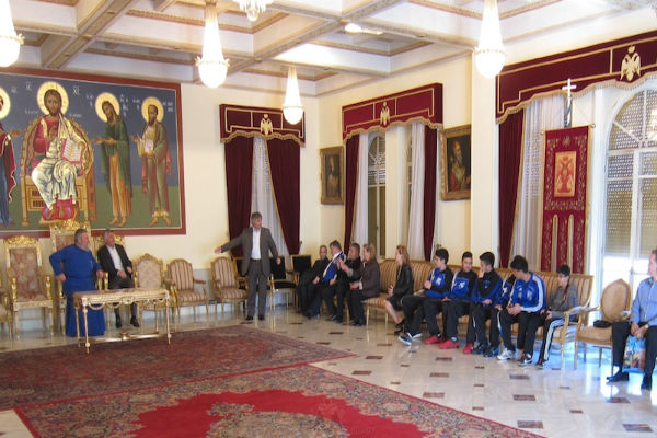 You are currently viewing Ομάδα ομογενών  των ΗΠΑ επισκέφθηκε τον Αρχιεπίσκοπο Κύπρου