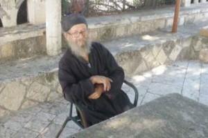 90χρονος μοναχός,  ζεί «παρέα» με έναν… σεισμογράφο!