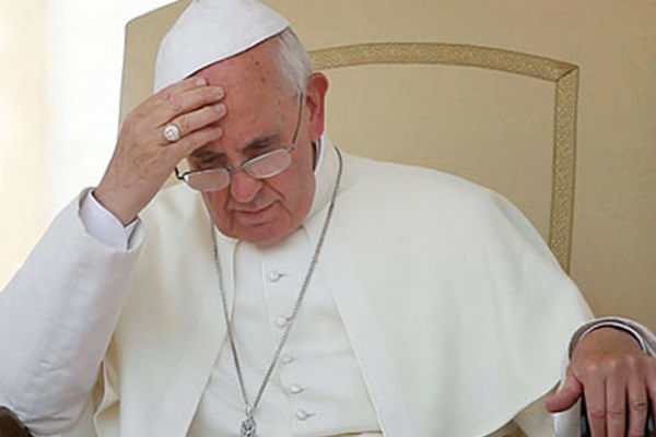 Ζητά γυναίκες Καρδιναλίους – Μια φεμινίστρια γράφει στον Πάπα και προκαλεί με τις θέσεις της
