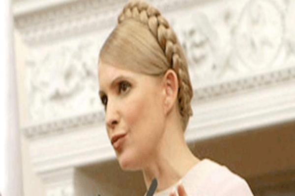 Γιούλια Τιμοσένκο: H Oυκρανή ηγερία με τη διάσημη κοτσίδα και τα 11 δισ.περιουσία επιστρέφει από τη φυλακή στο πολιτικό προσκήνιο