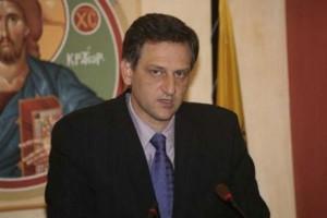 Ο άλλοτε δεξιός οικονομικός βραχίων του Αρχιεπισκόπου Αντώνης Ζαμπέλης, περνάει στην αντεπίθεση..