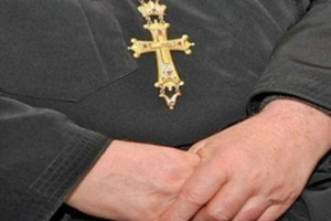 Ιερέας εξαπατούσε άνεργους, τάζοντάς τους δουλειά