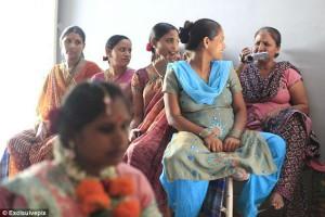 Μήτρες προς ενοικίαση -Απελπισμένες Ινδές γεννούν μωρά για πλούσιους αλλοδαπούς [εικόνες]