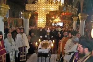 Σε κλίμα συγκίνησης, κηδεύτηκε ο Ιερέας που «έφυγε» από τη ζωή μόλις Λειτούργησε στη Λάρισα.