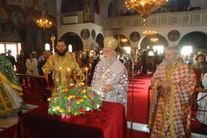 Η Κυριακή της Σταυροπροσκυνήσεως στον Ι. Ναό Εσταυρωμένου Ταύρου (ΦΩΤΟ)