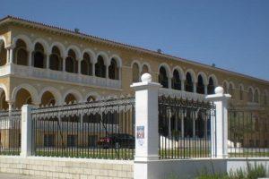 Η Εκκλησία της Κύπρου τιτλοποιεί περιουσία της άρον άρον