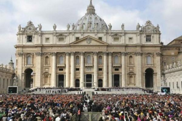 You are currently viewing Bild: Προσπάθησαν να στείλουν στο Βατικανό ναρκωτικά κρυμμένα σε προφυλακτικά