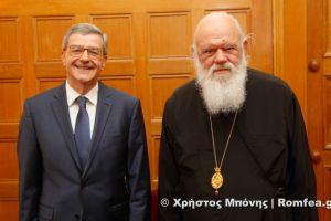 Στον Αρχιεπίσκοπο Ιερώνυμο ο Κωνσταντίνος Χολέβας