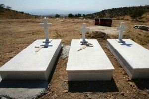 Παράνομο το κοιμητήριο Γλυφάδας