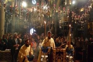 Η ακολουθία του Ακαθίστου στον Ναό της Μεγαλόχαρης (ΦΩΤΟ)