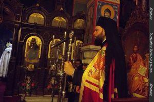 Πλήθη πιστών κατέκλυσαν το Μοναστήρι του Αγίου Εφραίμ στη Νέα Μάκρη