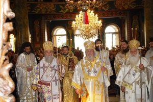 Η Νέα Σμύρνη εόρτασε την πολιούχο Αγία Φωτεινή (ΦΩΤΟ)