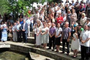 """11 νέοι βαπτίστηκαν στον """"νέο Ιορδάνη"""""""