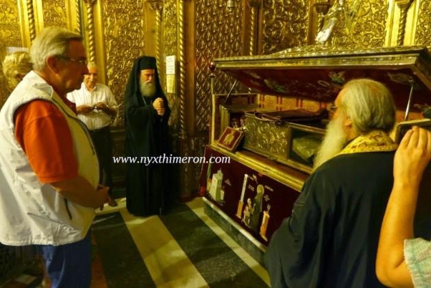 You are currently viewing ΦΩΤΟΡΕΠΟΡΤΑΖ: Το προσκύνημα του Κωνσταντίνου στον Αγιο Διονύσιο