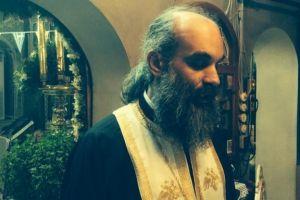 Λίγα λόγια για τον Πατήρ Γεώργιο Χανδρή
