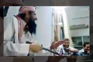 Μέσα σε τζαμί τους διδάσκει πως να σφάζουν Χριστιανούς.Σε λίγο και στην Αθήνα και στα παιδιά μας….