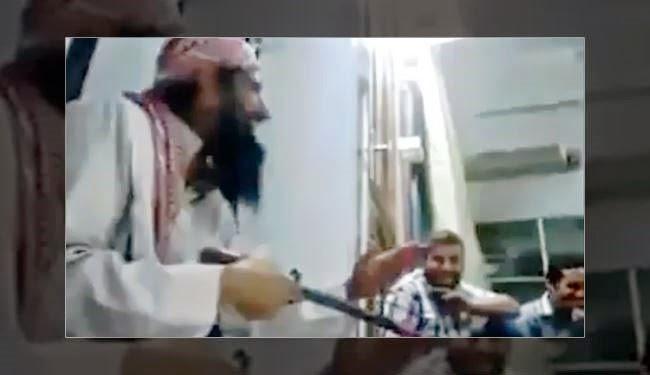 You are currently viewing Μέσα σε τζαμί τους διδάσκει πως να σφάζουν Χριστιανούς.Σε λίγο και στην Αθήνα και στα παιδιά μας….