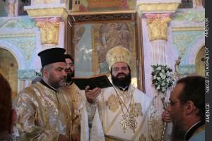Χειροτονία νέου κληρικού από τον Μητροπολίτη Μαρωνείας (ΦΩΤΟ)