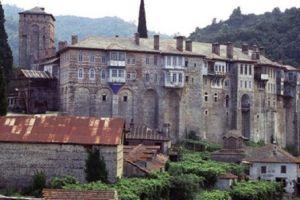 Ενας μοναχός νεκρός και δύο πυροσβέστες τραυματίες στο 'Αγιο 'Ορος