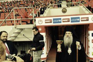"""Μητροπολίτης Πειραιώς: """"Η ψυχή του Έλληνα δεν νικιέται. Τραβάει μπροστά"""""""