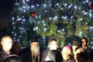 Χριστουγεννιάτικο δέντρο στον Ιορδάνη ποταμό