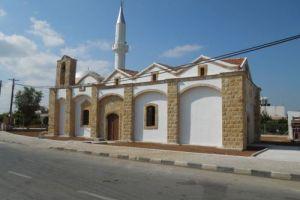Αρχιερατική Θεία Λειτουργία μετά από 40 χρόνια στην εκκλησία του Αγίου Νικολάου Συριανοχωρίου Μόρφου