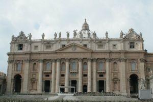 Δωρεάν ξύρισμα, μπάνιο και κούρεμα σε άστεγους από το Βατικανό