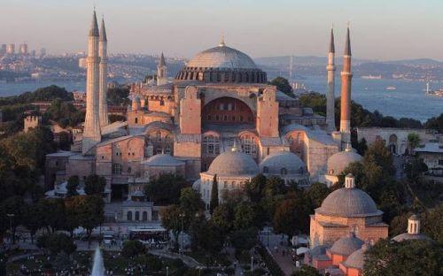 Σαν σήμερα το 532 θεμελιώνεται ο ναός της Αγίας Σοφίας