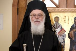 """Αρχιεπίσκοπος Αναστάσιος: """"Επιλέγω την σιωπή"""""""