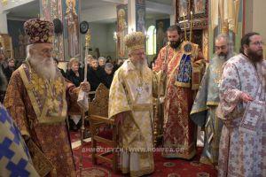 Αρχιερατικό Συλλείτουργο στο Αγρίνιο για τα ιερό 40ήμερο μνημόσυνο του Ιωάννη Βασιλείου