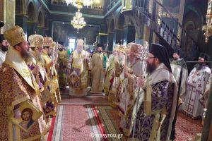 Πολυαρχιερατικό συλλείτουργο στη Μάνδρα, για το 40ήμερο ιερό μνημόσυνο της αείμνηστης μητέρας του Μητροπολίτη Μεγάρων