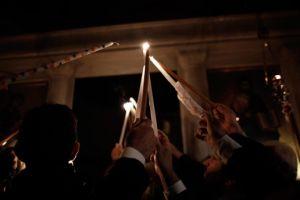 Tι απαντά το Πατριαρχείο Ιεροσολύμων για την κατάργηση της αερομεταφοράς του Άγιου Φωτός