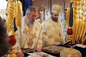 Συλλείτουργο Αρχιεπισκόπου Κύπρου με Μητροπολίτη Ταμασού