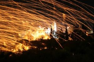 Ρουκετοπόλεμος – Ανάσταση στο Βροντάδο της Χίου, απολαύστε ένα παγκόσμιο θέαμα, μία ξεχωριστή εμπειρία!  (ΒΙΝΤΕΟ)