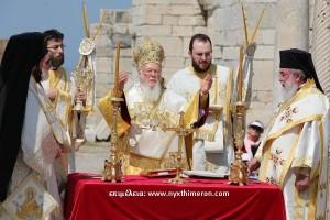 Ανα(σ)τάσιμες στιγμές από την Πατριαρχική Λειτουργία επί του Τάφου του Αγίου Ιωάννου του Θεολόγου στην Έφεσο [φωτογραφίες + videos]