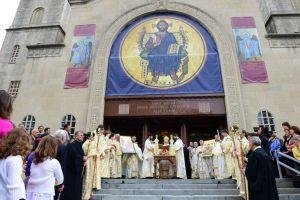 Εγκαίνια Καθεδρικού Ναού από τον Αρχιεπίσκοπο Αμερικής (ΦΩΤΟ)