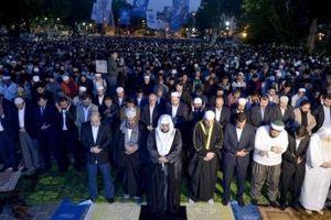 Τουρκική πρόκληση: Οι Τούρκοι έκαναν μαζική προσευχή έξω από την Αγιά Σοφιά για να γίνει τζαμί