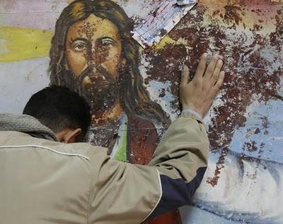 Αυτοί είναι οι Μουσουλμάνοι… ! Να τους χαιρόμαστε! ΑΙΣΧΟΣ! Σόκ καί φρίκη στήν Λέσβο..Μουσουλμάνοι αφόδευσαν και μετά πασάλειψαν μέ τα κόπρανα τίς Εικόνες μας!!