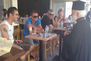 Ο Αρχιεπίσκοπος Κρήτης δίπλα στο «ποίμνιο»-Μια κίνηση που προκάλεσε αίσθηση (ΦΩΤΟ)