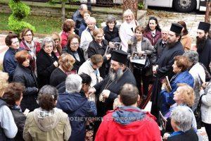 Ομάδα πιστών προσκύνησαν την χείρα της Αγίας Μαρίας της Μαγδαληνής (ΦΩΤΟ)