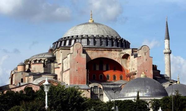 You are currently viewing Την επιστροφή της Αγίας Σοφίας στην Ορθόδοξη Εκκλησία απαιτεί η Ρωσία