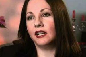Dawn Stefanowicz: Παιδί γκέι γονιών προειδοποιεί ότι ο γάμος τους καταπατά ανθρώπινα δικαιώματα