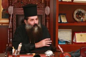 """Πειραιώς Σεραφείμ: """"Ο Ιερέας που έδωσε την Θεία Κοινωνία δεν διέπραξε κάποιο αδίκημα"""""""