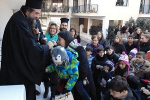 Οι «άγγελοι» της εκκλησίας των Σερρών υποδέχονται τα Χριστούγεννα