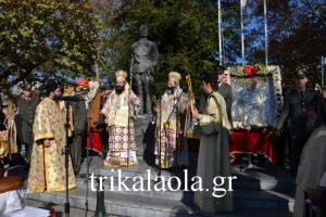 Πλήθος πιστών στην Λιτανεία του Αγίου Νικολάου στα Τρίκαλα