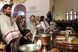 Έτσι έγινε το ομαδικό  βάπτισμα στην Κύπρο, με έξοδα της Αρχιεπισκοπής