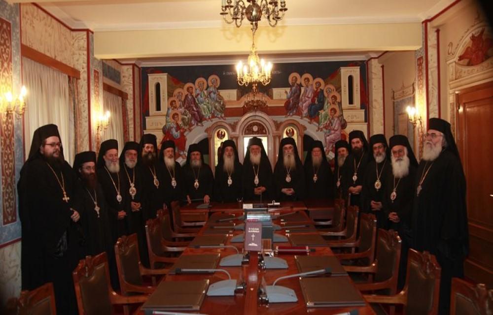 You are currently viewing Τι παιγνίδια είναι αυτά; Γιατί δεν αποκαλύπτει ο Αρχιεπίσκοπος ποιοί  υπονομεύουν την Εκκλησία της Ελλάδος; Τί κρύβεται σε αυτή την ενέργεια;;