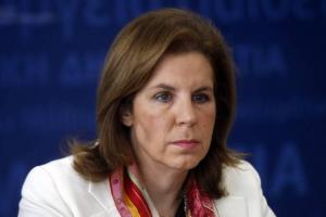 """Εύη Χριστοφιλοπούλου: """"Ανήκουστο να απαγορευτεί  η είσοδος σε σχολείο σε Ιεράρχη"""""""