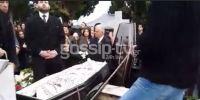 Απίστευτο: Ο ιερέας που κήδεψε τον πατέρα της Πάολα έβαλε φωτό και βίντεο στο facebook